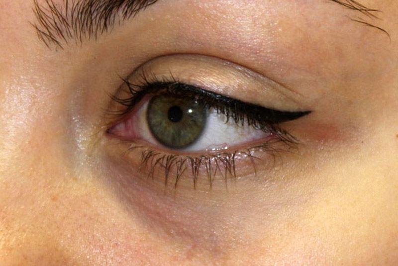 Как сделать так чтобы стрелки на глазах держались дольше